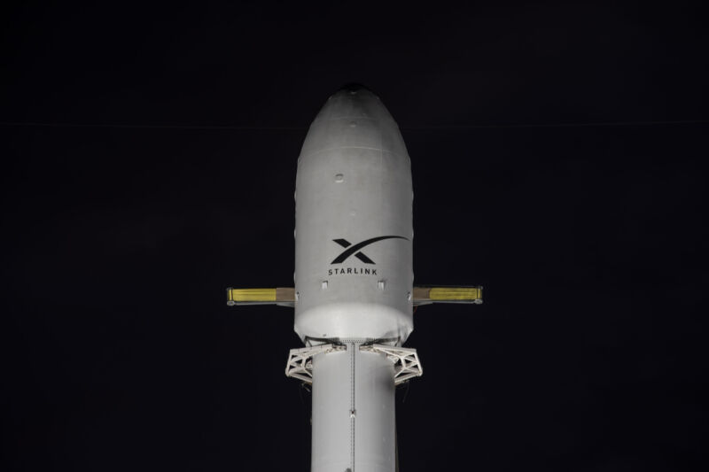 Photo of the Starlink payload on top of a Falcon 9 rocket in Florida this week.