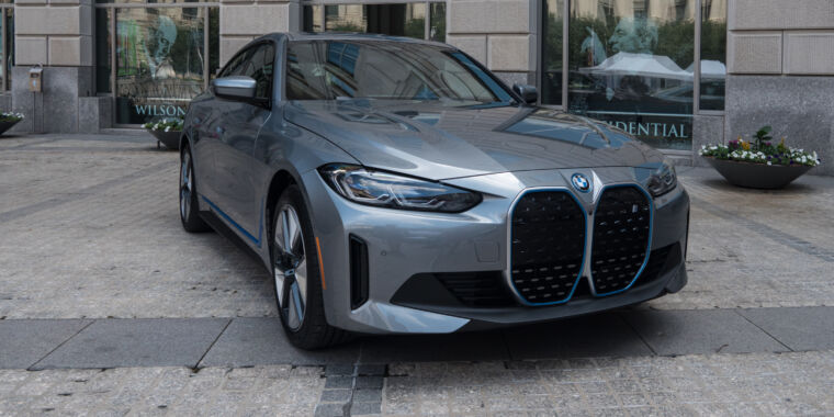 BMW finds its mojo again with the  55 400 i4 electric sedan