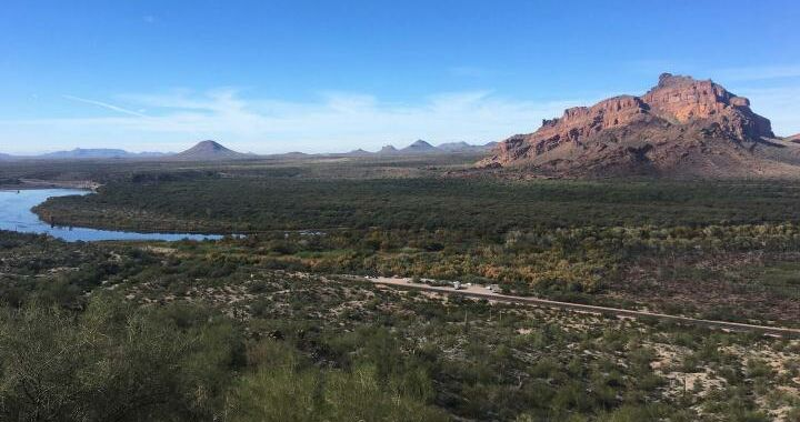 <p>Here's why TSMC and Intel keep building foundries in the Arizona desert thumbnail