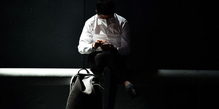 An explosive spyware report shows limits of iOS, Android security