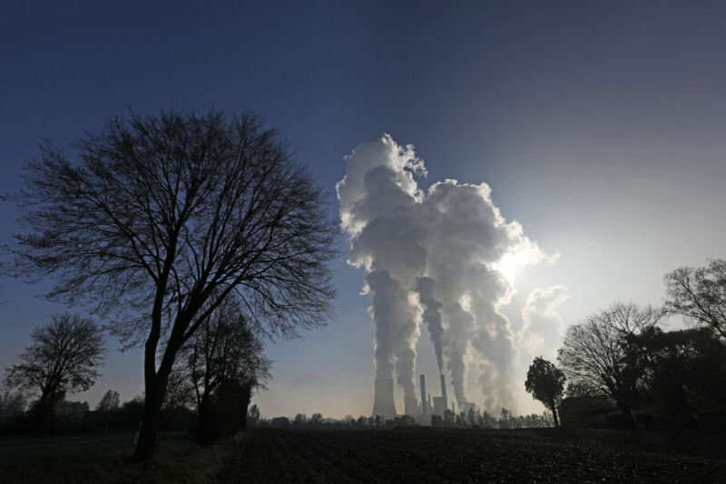 Most of the power sector's emissions come from a small minority of plants