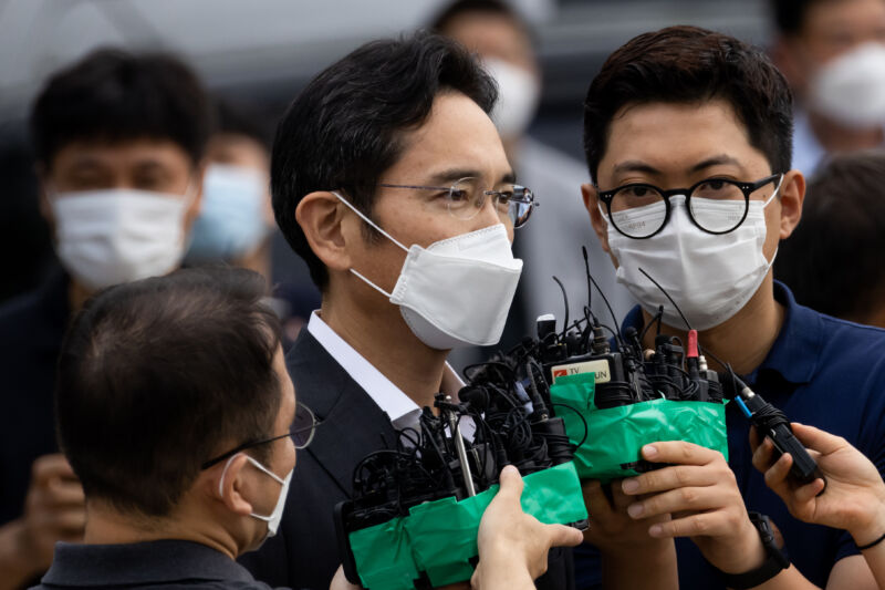 Jay Y. Lee, leader of Samsung Group, speaks to members of the media as he is released from the Seoul Detention Center in Uiwang, South Korea, on Friday, Aug. 13, 2021.