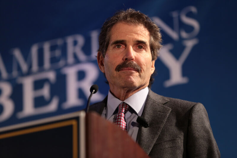 John Stossel speaking with attendees at the 2018 Young Americans for Liberty New York City Spring Summit at the Teaneck Marriott at Glenpointe in Teaneck, New Jersey.