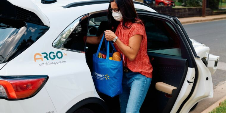 Walmart to start driverless deliveries with Ford and Argo AI
