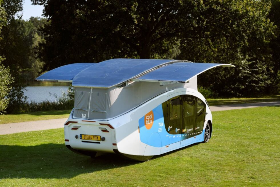 The battery can fill up much faster when the vehicle is parked and its roof is extended.