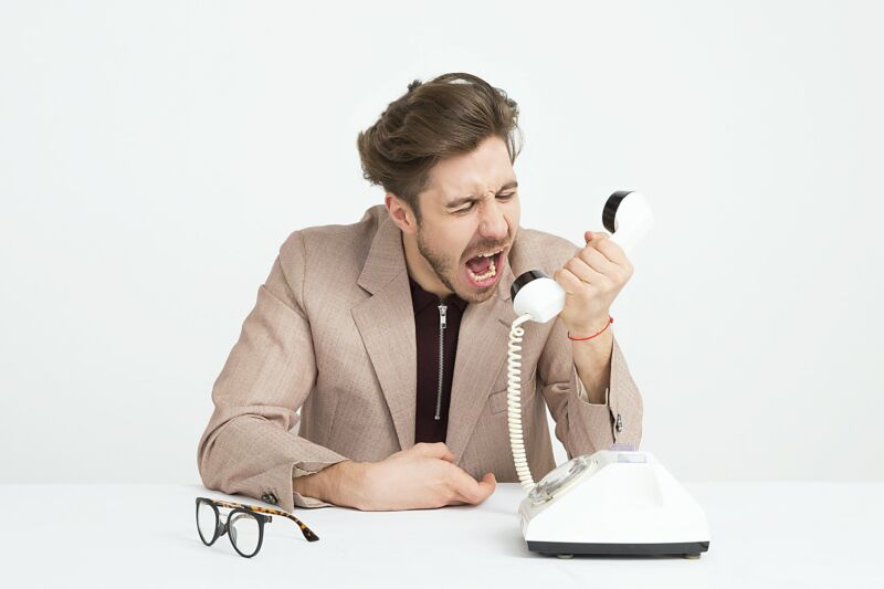Phone calls disrupted by ongoing DDoS cyber attack on VOIP.ms