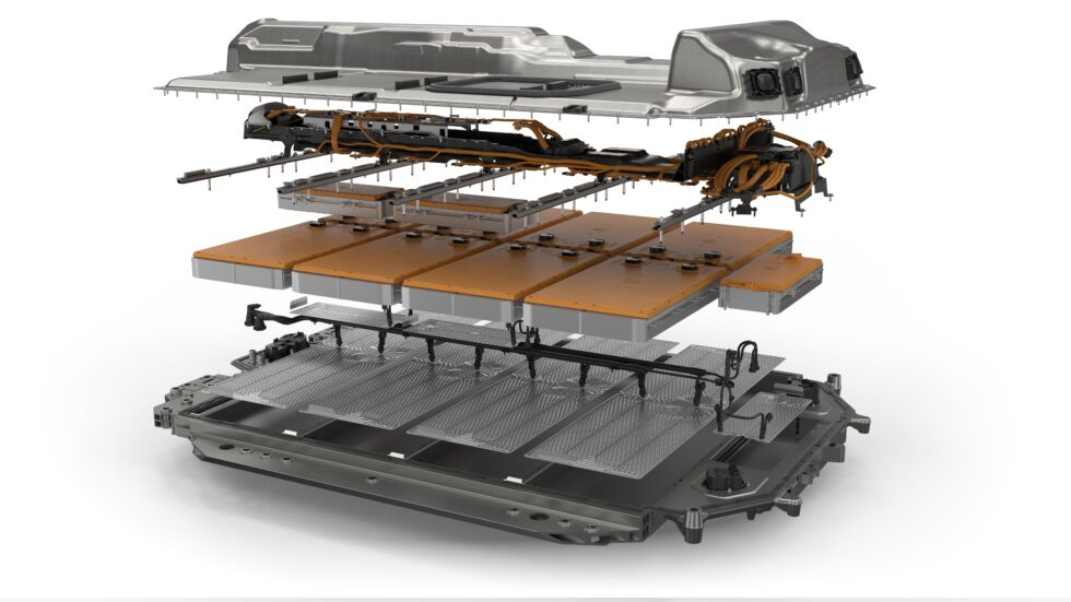 An exploded view of the BMW i4's battery pack.