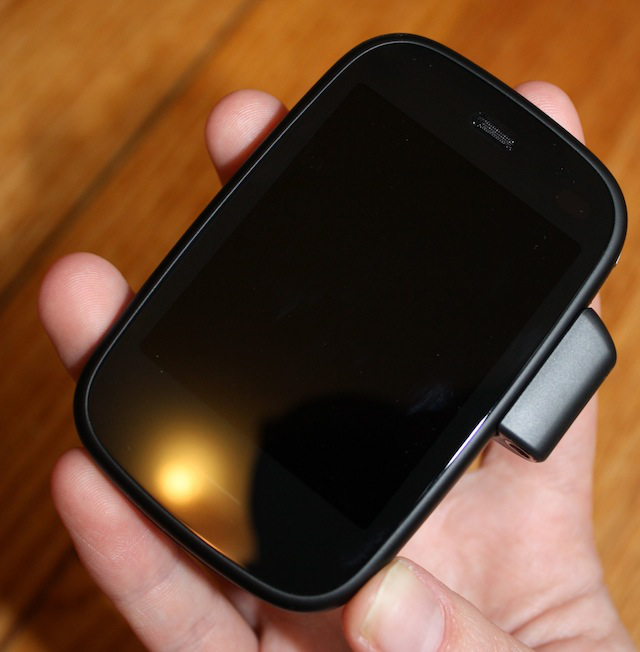 The Veer with its headphone jack attached.