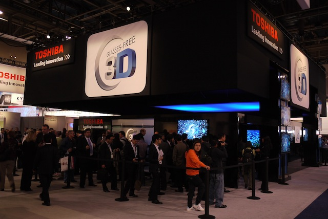 Interest in glasses-free 3D was high at CES. Check out the line.
