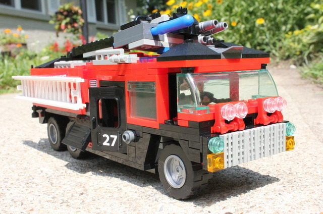 Sentinel Prime in vehicle form