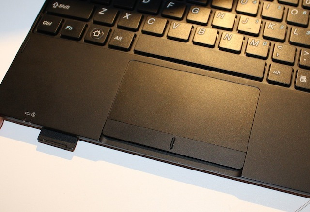 The S2110 keyboard dock's SD card slot and trackpad