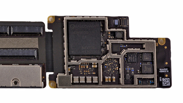 The iPad 3 uses Qualcomm's MDM9600 for LTE, HSPA, and EV-DO data transmission.