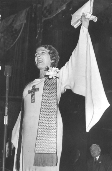 Pentacostalist Aimee Semple McPherson broadcasting in the 1920s