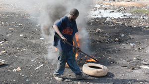 Burning e-waste in Africa