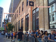 A line one block long formed at the SoHo, New York Apple Store. Photo CC by John Federico.