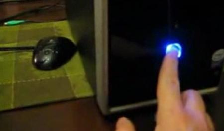 "Gizmodo reader Patrick boots his Psystar Open Computer into Leopard ""pretty damn fast."""