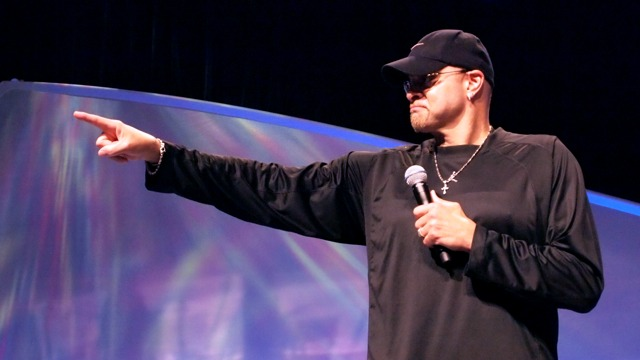 Sinbad took questions from the audience about his favorite apps, his comedy films, and even WikiLeaks.