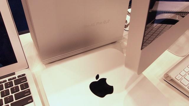 A Mac mini paired with OWC's Mercury Elite-AL Pro Qx2 RAID.