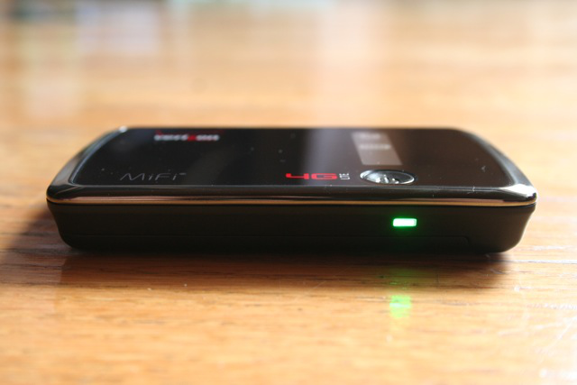 This MiFi is slightly fatter than the 3G-only version.