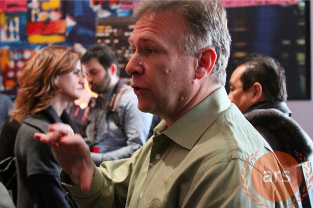 Phil Schiller speaking to Ars Technica's Chris Foresman