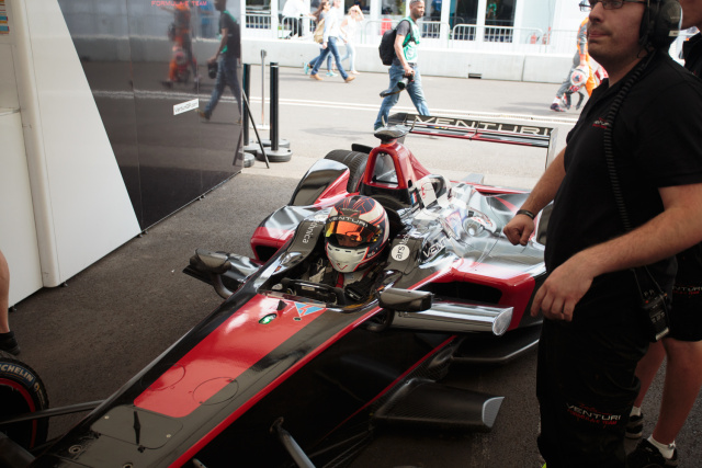 Venturi Formula E car, with the Ars Technica logo around the driver.
