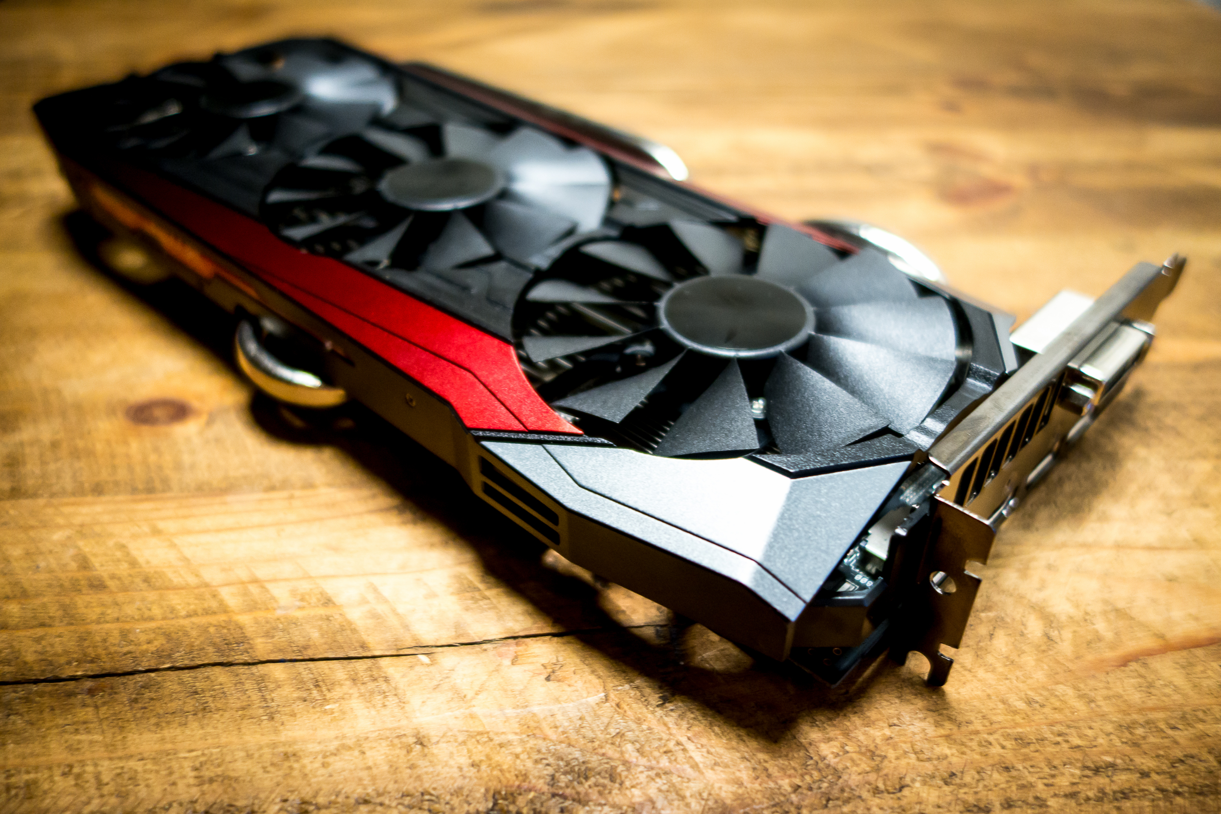 DirectX 12 tested: An early win for AMD and disappointment