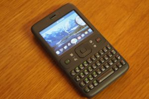 "The original ""Sooner"" Android hardware prototype device, which very closely resembled a Blackberry. This device never made it to market: the first real Android device was a slider smartphone called the <a href=""https://en.wikipedia.org/wiki/HTC_Dream"">HTC Dream</a>."