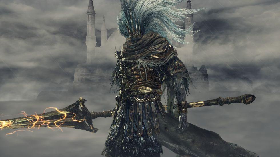 Usurper! The Nameless King's garb couldn't make it more clear he's Gwyn's son, the outfits from crown to ankle are basically identical. Gwyn's hitboxes weren't quite as cheap, mind