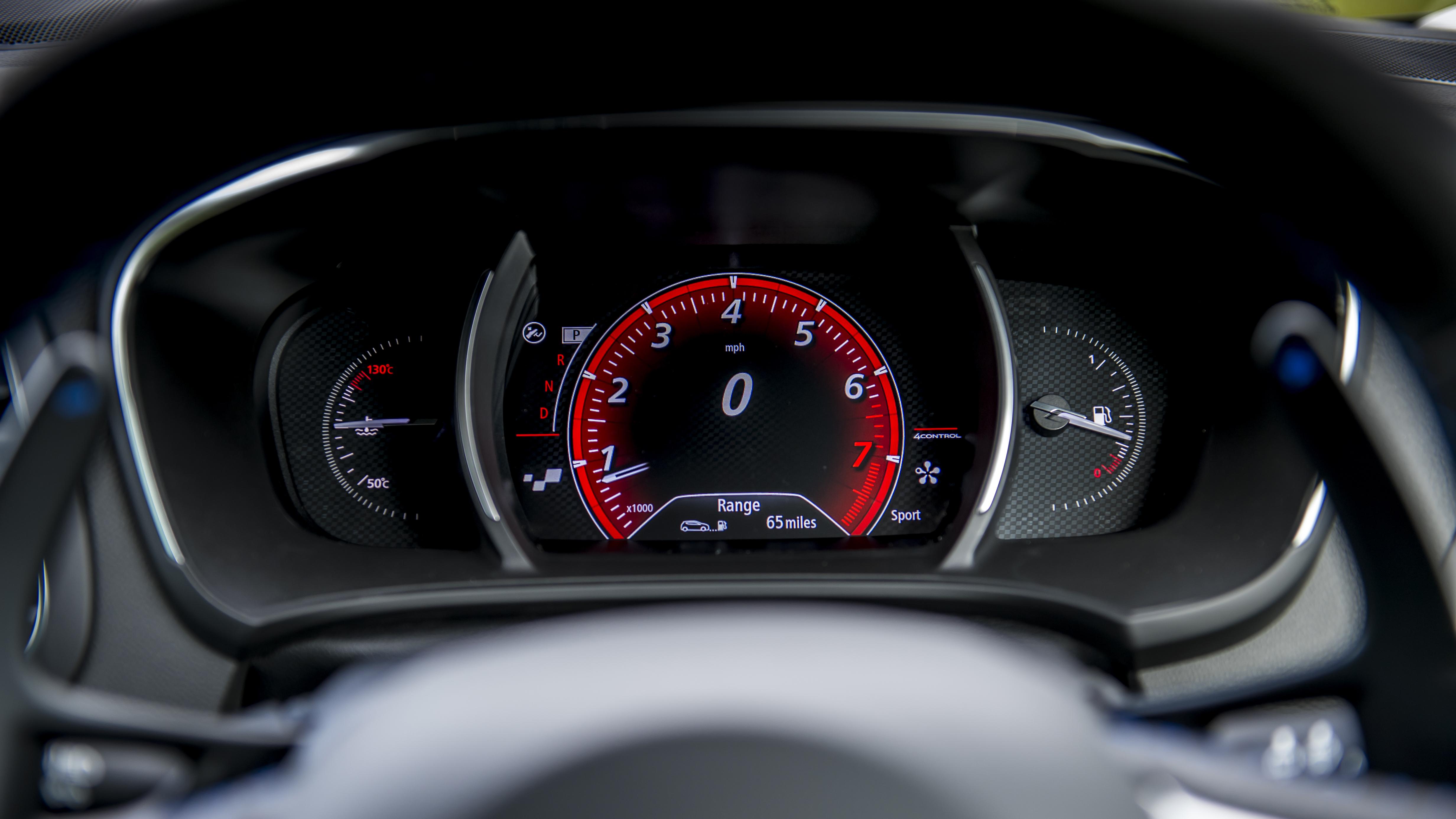 2016 Renault Mégane GT review: Clever tech, four-wheel steering, va