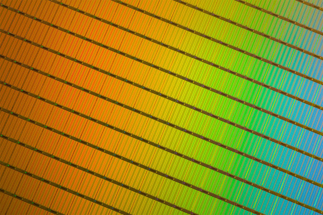 A beautiful wafer of Micron's 3D NAND dies. Don't say I don't spoil you.
