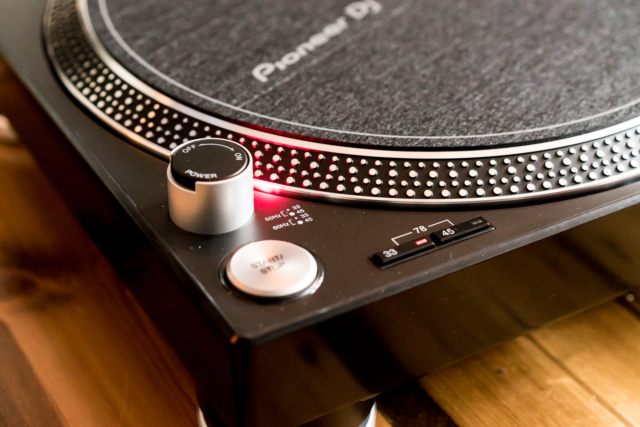 The PLX-500 features the classic strobe speed illumination of a Technics turntable.