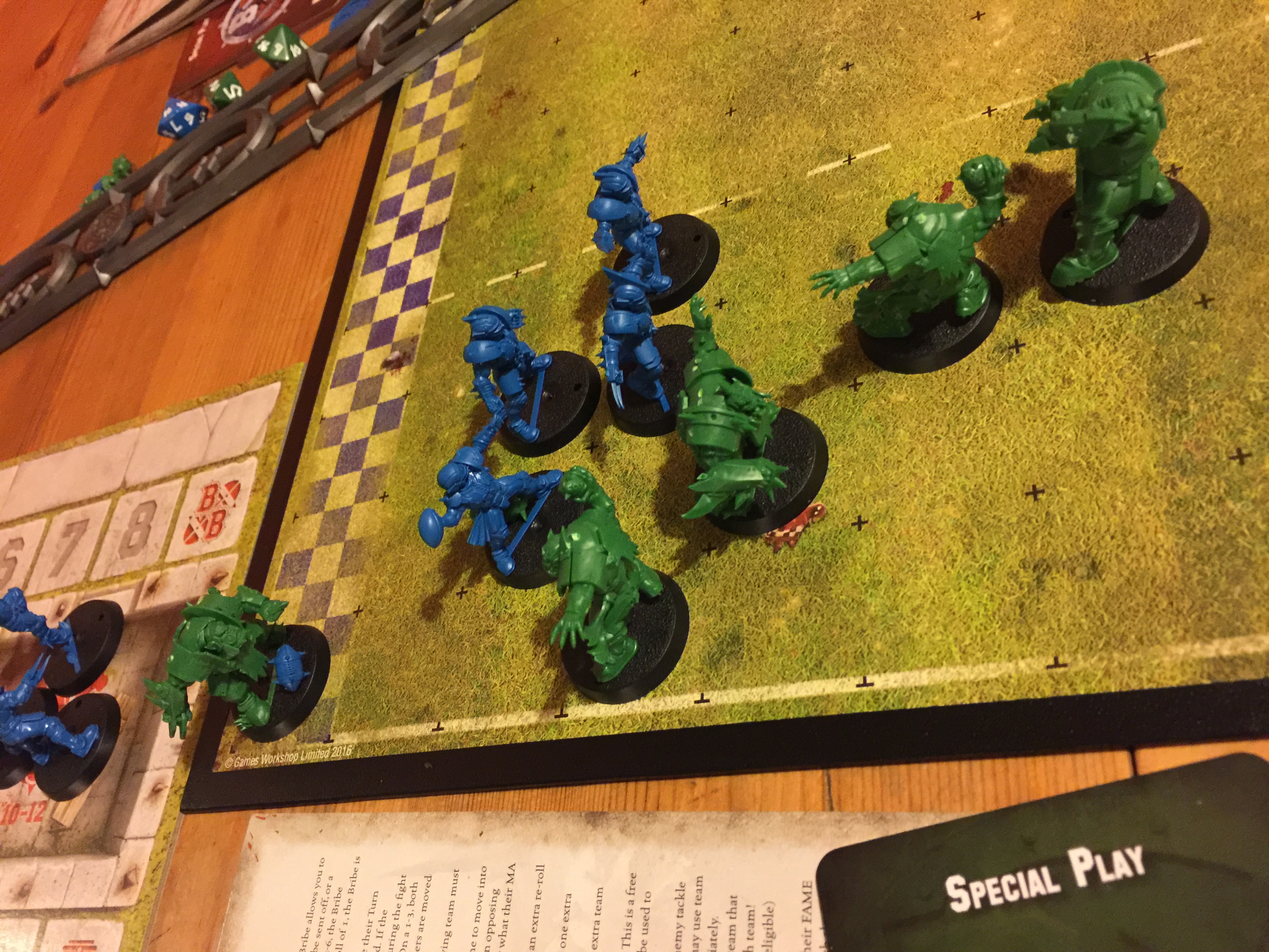 Touchdown to the orcs in green, apparently by pulling off an unlikely dodge around the back.