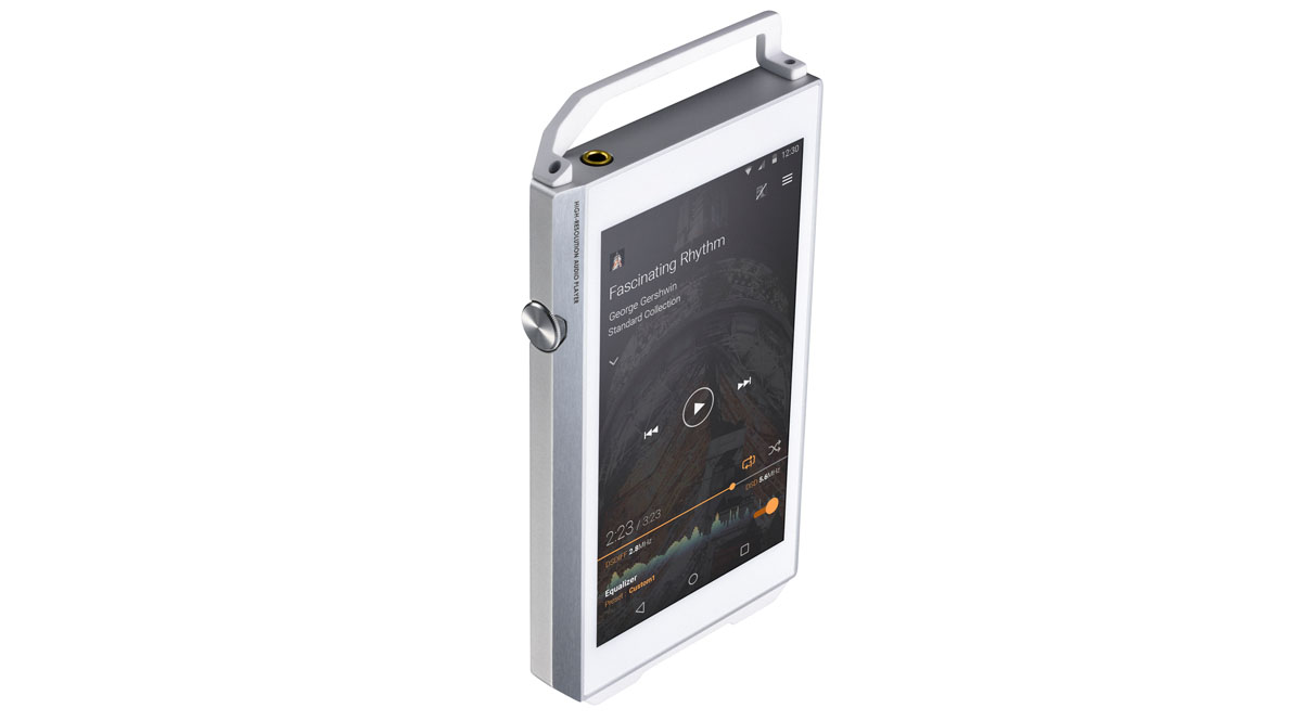 On the side of the unit is a volume control, and on top a standard 3.5mm headphone jack.