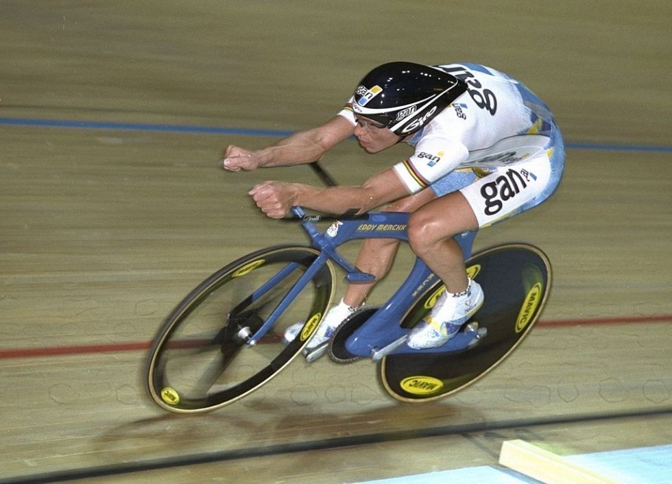 Chris Boardman breaking the one-hour cycling world record. Note his unusual position and the monocoque cycle chassis.