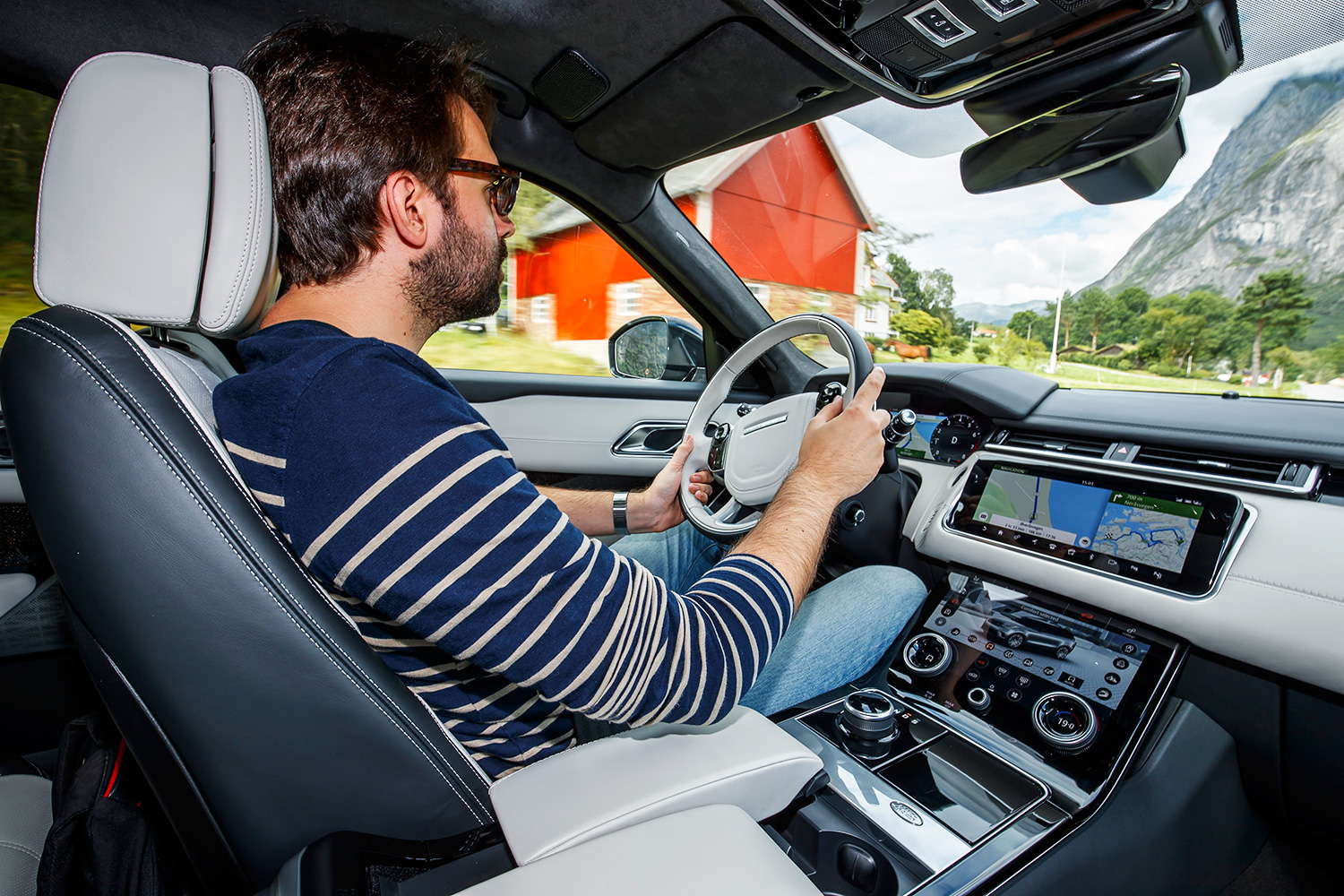 range rover velar review a handsome slab of british luxury ars technica. Black Bedroom Furniture Sets. Home Design Ideas